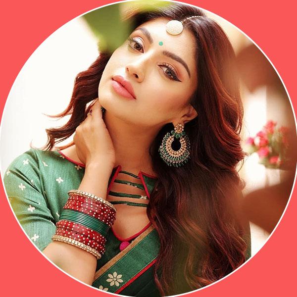 Akanksha Puri is looking enchanting: