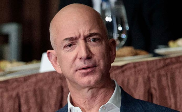 Jeff Bezos Sued By His Girlfriends Brother For Defamation